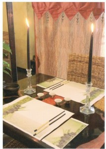 paper placemats and cutlery pockets