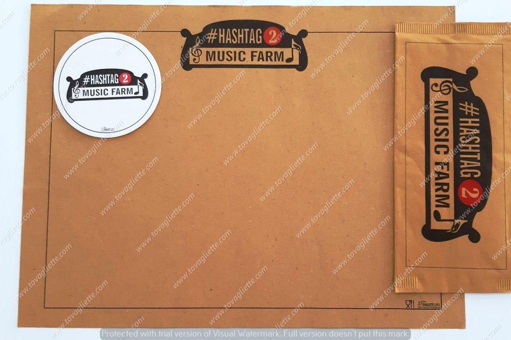 Tovaglietta di carta paglia e busta porta posate con tovagliolo a due veli personalizzate